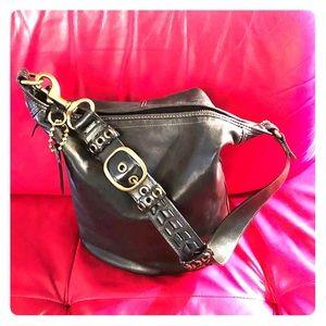 "COACH- EUC- Black shoulder ""feed"" bag. Boutique."